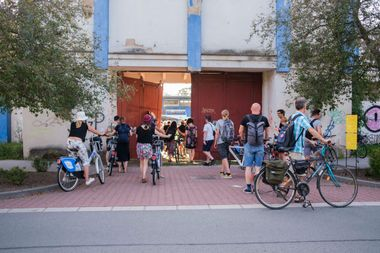 Malleable Memory / The exhibition-opening bike ride